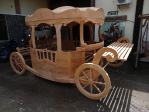 Cinderella Inspired Carriage Bed Design